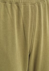Missguided - CROPPED RAW HEM SLIM JOGGER - Sweatshirt - khaki - 5