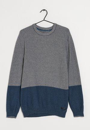 Stickad tröja - grey/blue