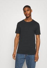 Pier One - 5 PACK - T-shirt basic - black/white/light grey - 3