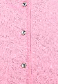 Daily Sports - UMA CAP - Polo shirt - lipstick - 2