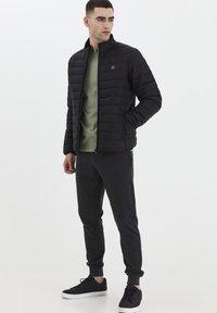 Solid - Light jacket - black - 1