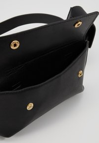 Pieces - Marsupio - black - 4