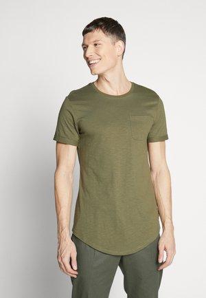 Camiseta básica - oliv