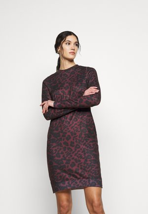 VMHOWL O NECK  DRESS - Day dress - winetasting/black