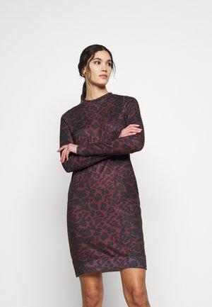 VMHOWL O NECK  DRESS - Kjole - winetasting/black