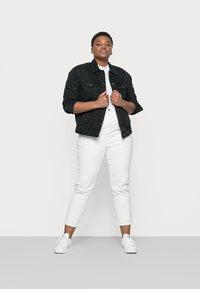 Vero Moda Curve - VMKATRINA JACKET - Denim jacket - black - 1
