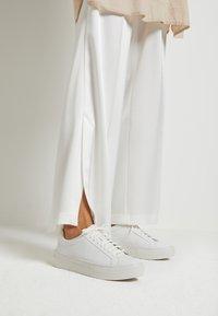 Vagabond - ZOE PLATFORM - Sneakers laag - white - 0
