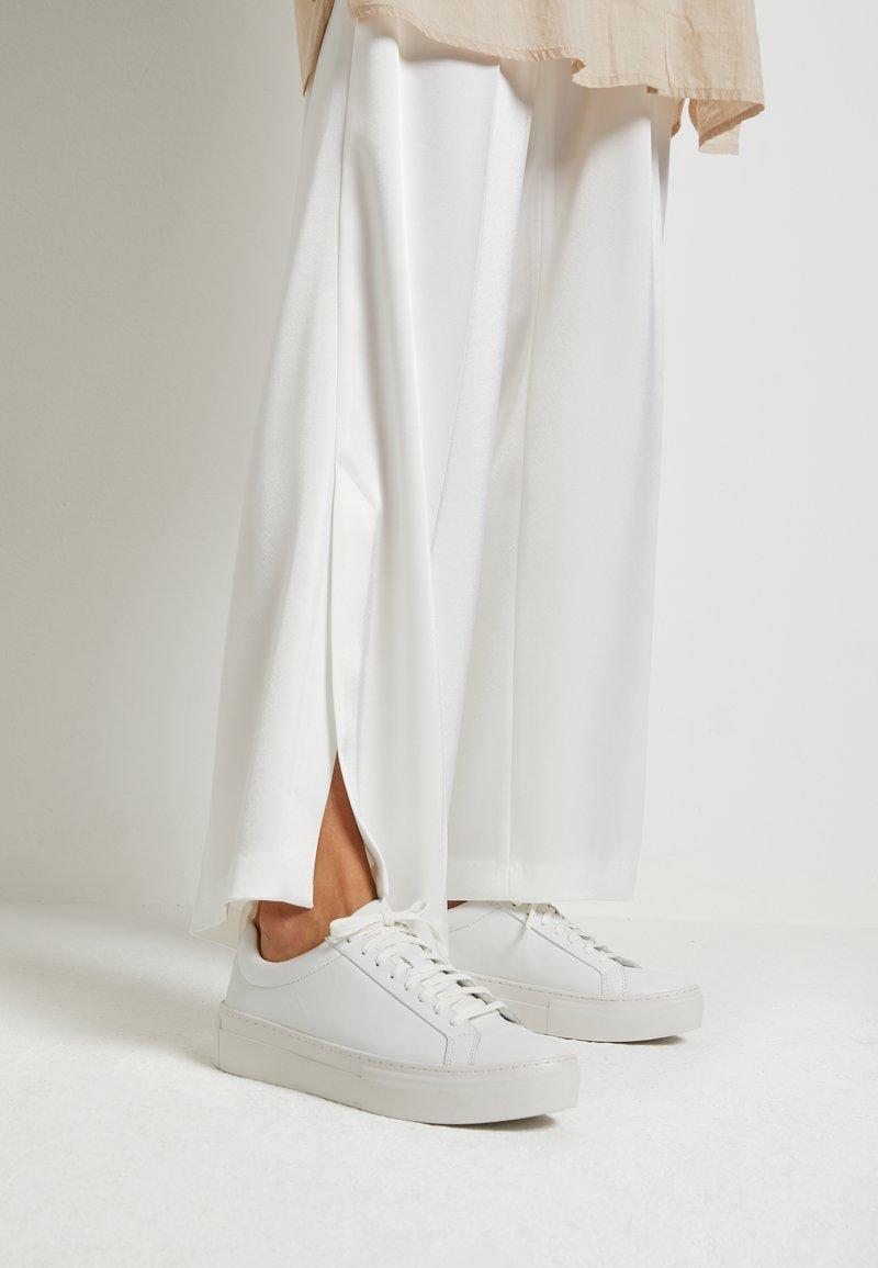 Vagabond - ZOE PLATFORM - Sneakers laag - white