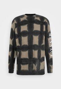 Mennace - GRUNGE MENNACE GRID TIE DYE TEE - Long sleeved top - khaki - 3
