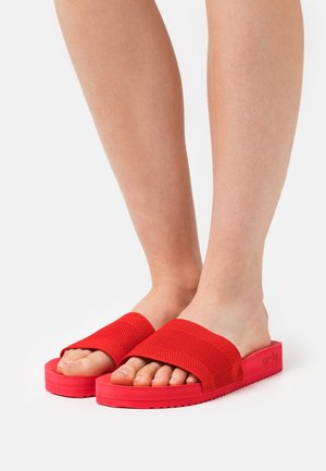 POOL  - Mules - chinese red