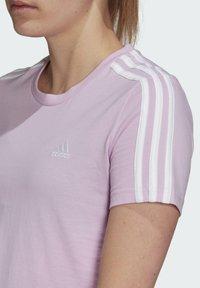 adidas Performance - T-shirts med print - purple - 2