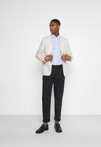 Tommy Hilfiger Tailored - MINI CHECK SLIM FIT - Shirt - light blue/white - 1