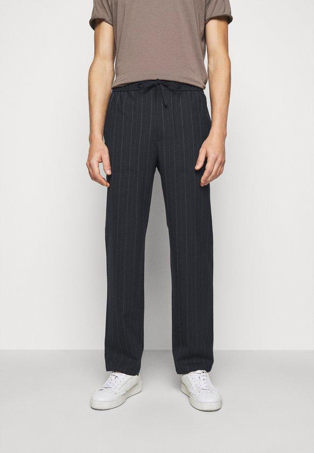 THEODORE STRIPED TROUSER - Pantalon classique - navy