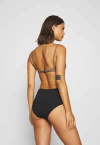 Filippa K - SHINY UNDERWIRE - Bikini top - nougat brown - 2