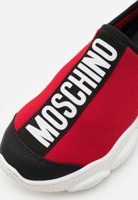 MOSCHINO - UNISEX - Nazouvací boty - red - 5