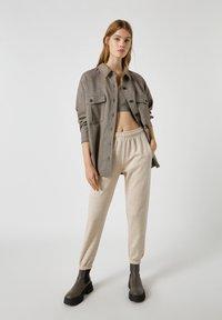 PULL&BEAR - Button-down blouse - mottled black - 1