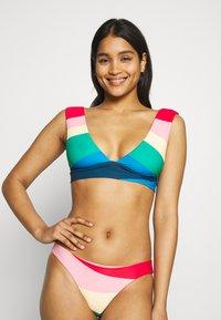 Billabong - MAS FIESTAS PLUNGE - Bikini top - multi - 0