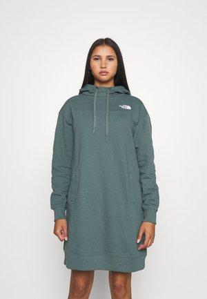 HOODED DRESS ZUMU - Day dress - balsam green