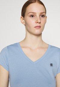 G-Star - EYBEN SLIM V T WMN S\S - T-shirts - delta blue - 3
