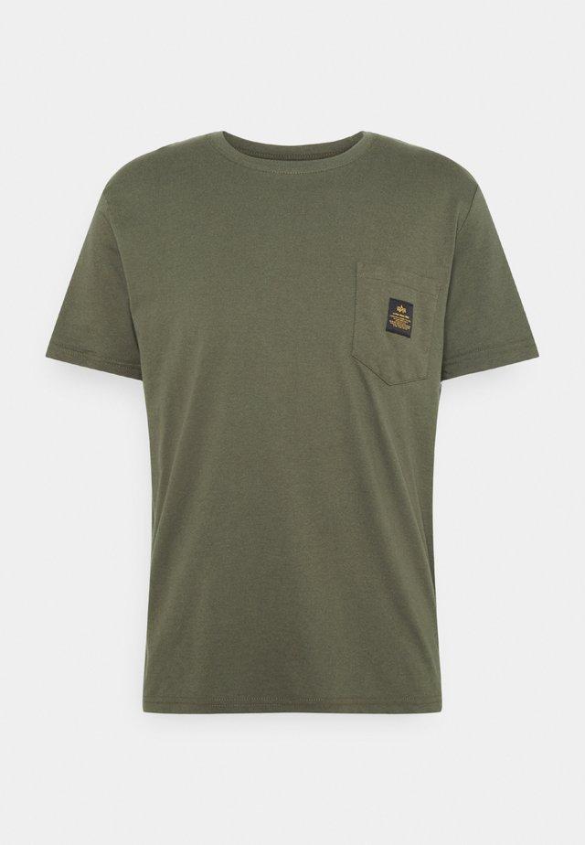ALPHA POCKET  - T-shirt con stampa - dark olive