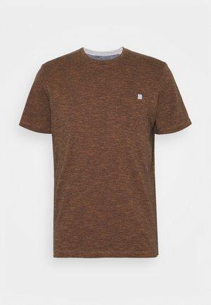 FINELINER WITH POCKET - T-shirt print - dark orange