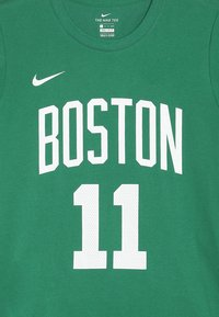 Nike Performance - NBA KYRIE IRVING PLAYER TEE - Club wear - green - 4