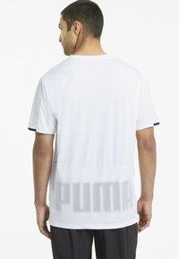 Puma - GRAPHIC  - Printtipaita - puma white - 2