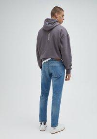 PULL&BEAR - Jeans straight leg - mottled light blue - 2