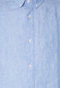 Bruun & Stengade - KOCHI SLIM FIT - Skjorta - light blue - 2