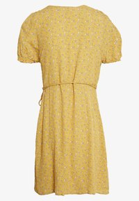 Cotton On - AMY WRAP MINI DRESS - Kjole - ochre - 1