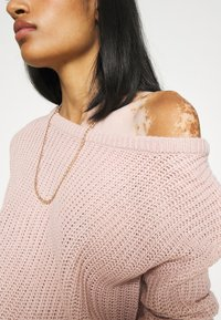 Missguided - OPHELITA OFF SHOULDER JUMPER - Pullover - rose - 5