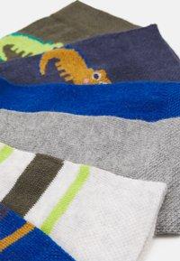 Ewers - KIDSSOCKS CROCODILE 6 PACK - Socks - tinte/oliv - 2