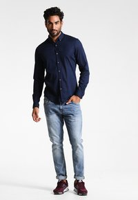 TOM TAILOR DENIM - Camisa - black iris blue - 1