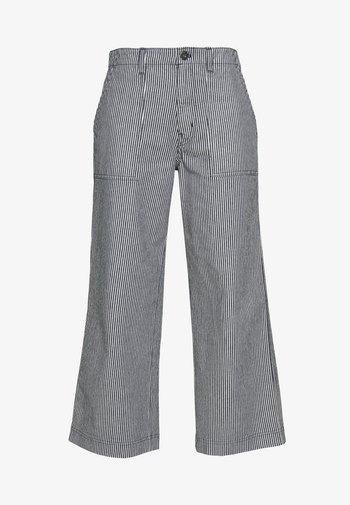 BARRECKS PANT - Trousers - light blue