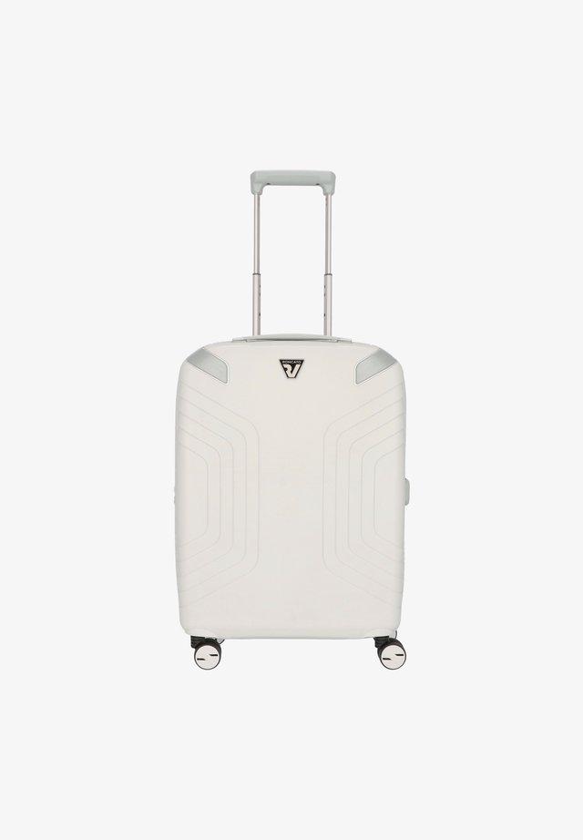Wheeled suitcase - perla