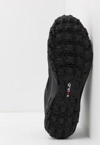 Mammut - OSURA LOW GTX MEN - Hiking shoes - black/titanium - 4