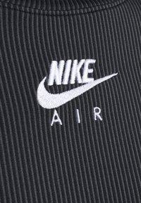 Nike Sportswear - AIR MOCK - T-shirt à manches longues - black/iron grey/white - 6