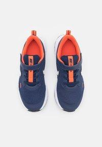 Nike Performance - REVOLUTION 5 UNISEX - Neutrální běžecké boty - midnight navy/white/orange - 3