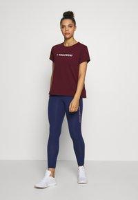 Tommy Sport - MIX CHEST LOGO - Print T-shirt - purple - 1