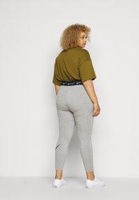 Nike Sportswear - CLUB PLUS - Leggings - dark grey heather/black - 2