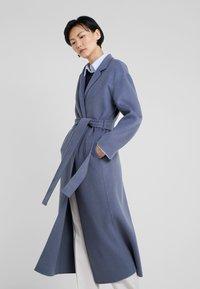 Filippa K - ALEXA COAT - Abrigo - blue grey - 0