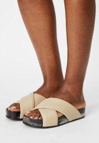 Oa non fashion - Pantofle - marmo stone - 0