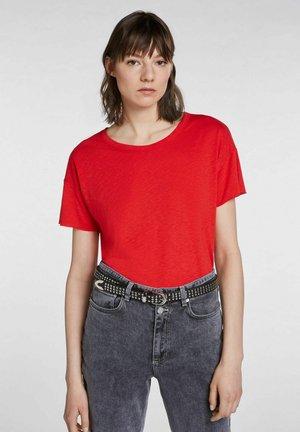 Basic T-shirt - chinese red