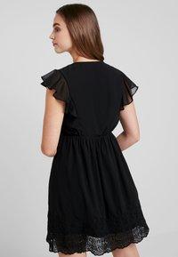 Vero Moda - VMAISHA DRESS - Hverdagskjoler - black - 2