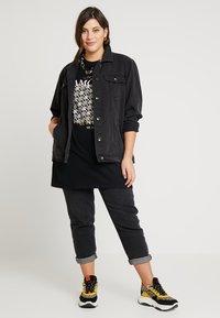 Simply Be - OVERSIZED JACKET - Džínová bunda - black denim - 2