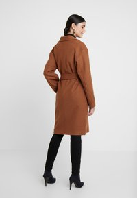 KIOMI - Classic coat - dark brown/camel - 2