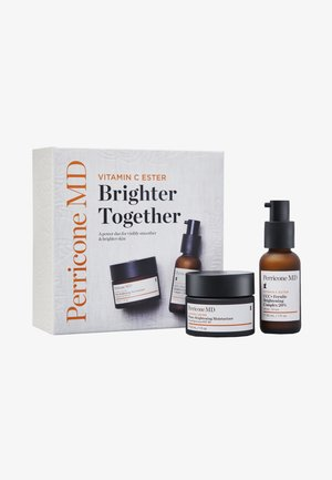 VITAMIN C ESTER BRIGHTER TOGETHER - Skincare set - -