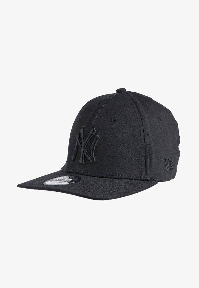 39 CLASSIC - Pet - black/black