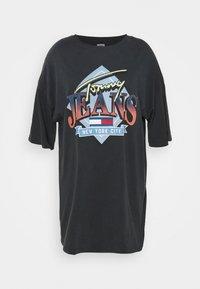 Tommy Jeans Curve - VINTAGE TEE DRESS - Jerseyjurk - black - 0