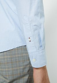 Selected Homme - SLHSLIMMARK WASHED - Formal shirt - light blue - 3